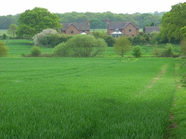 File:Farmland and houses, Braywoodside - geograph.org.uk - 799153.jpg