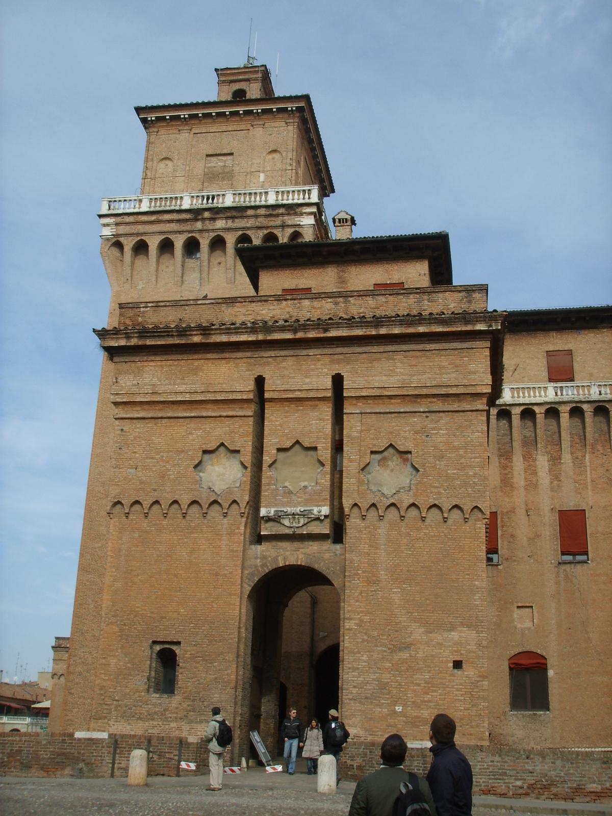 File ferrara castello estense 02 jpg wikipedia for Permesso di soggiorno ferrara