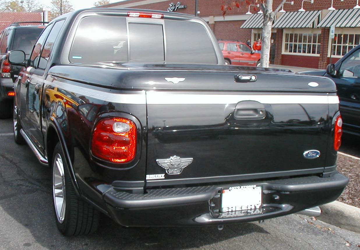 File:Ford-F150-Harley.jpg - Wikimedia Commons