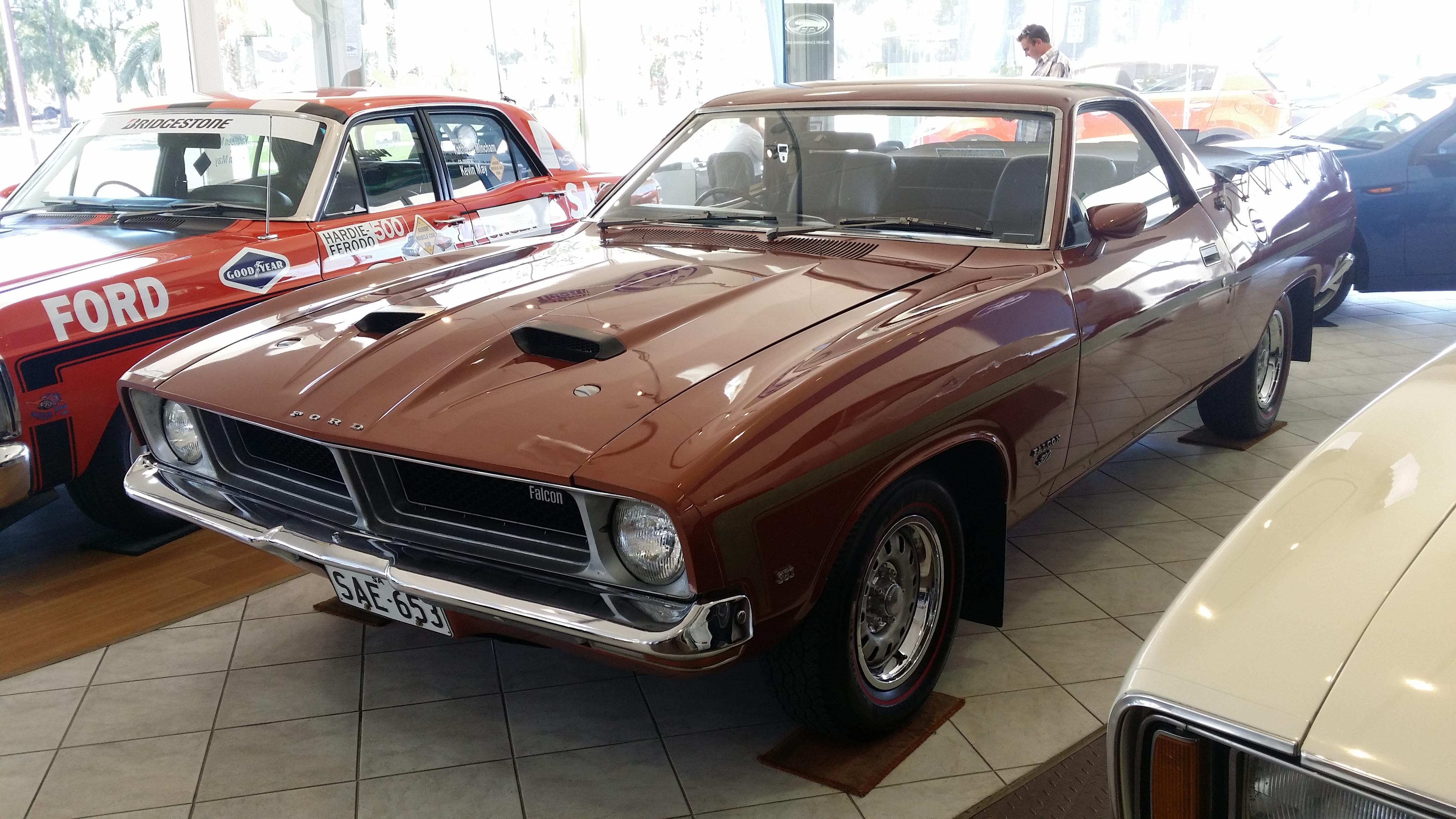 Ford_Falcon_500_GS_351_Ute_(XB_Series)_(16463970799).jpg