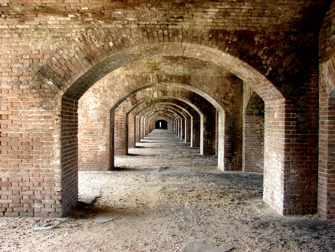 File Fort Jefferson Arches Dry Tortugas Jpg Wikimedia
