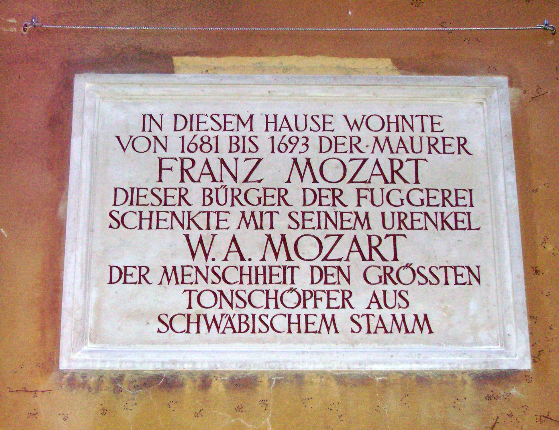 Franz Mozart Gedenktafel Fuggerei.jpg