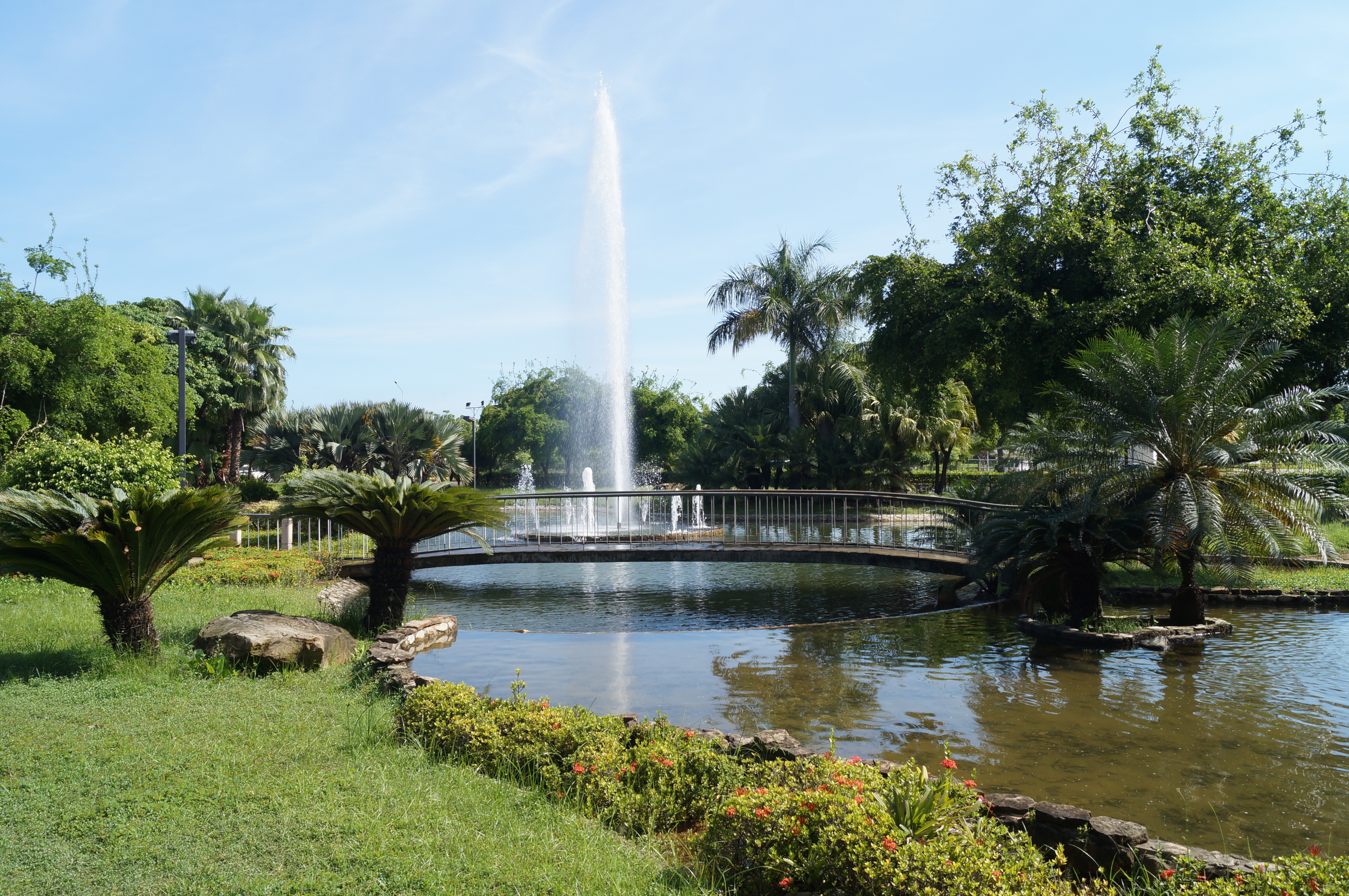 file fuente de agua jardin el wikimedia