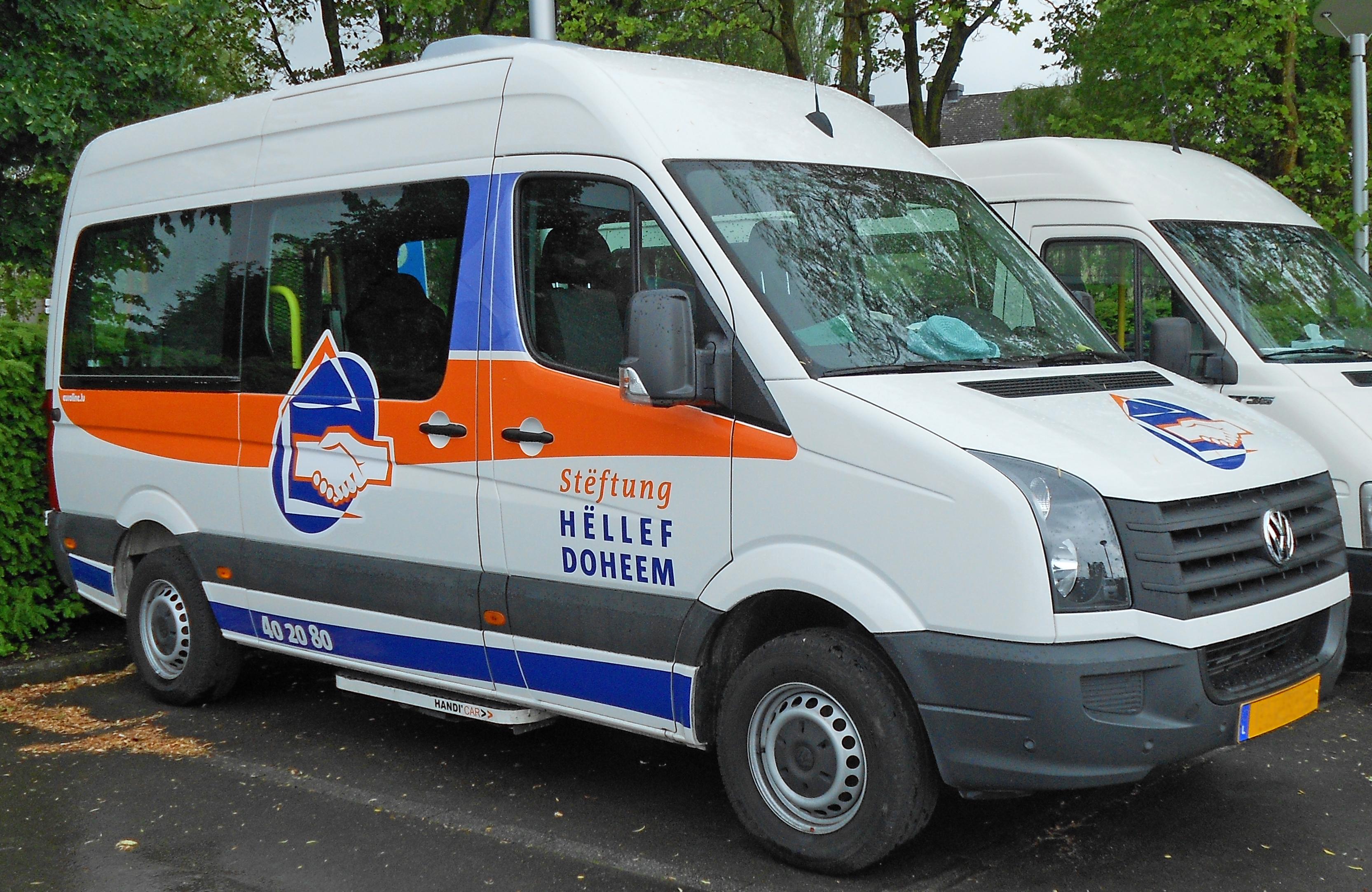 File Hëllef Doheem Auto Vw Minibus 2017 Jpg