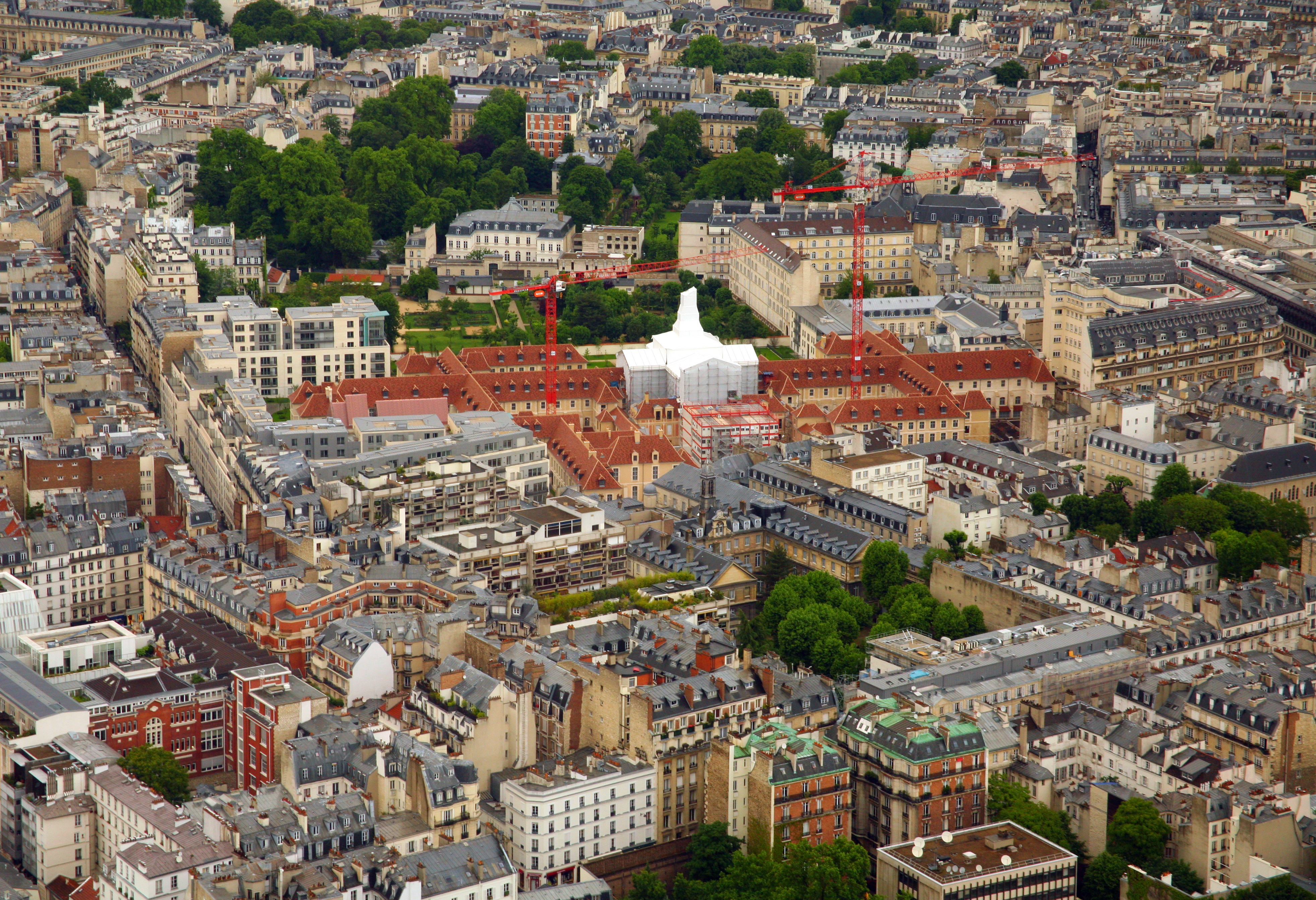 File:Hôpital Laennec from the Tour Montparnasse, Paris 20 May 2014.jpg - Wikimedia Commons - Hopital Laennec