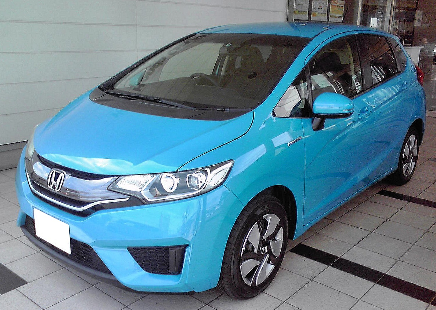 File:Honda Fit Hybrid HYBRID・L-Package (GP5).jpg