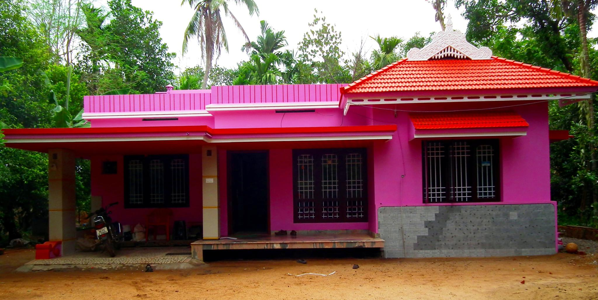 10 with File House In Kerala  Thrissur Valiyaparambu on Kolmanskop Houses besides People And Life Of Odisha as well 63564005 additionally Exposicao Historia Do Hip Hop Fica additionally 10932466.