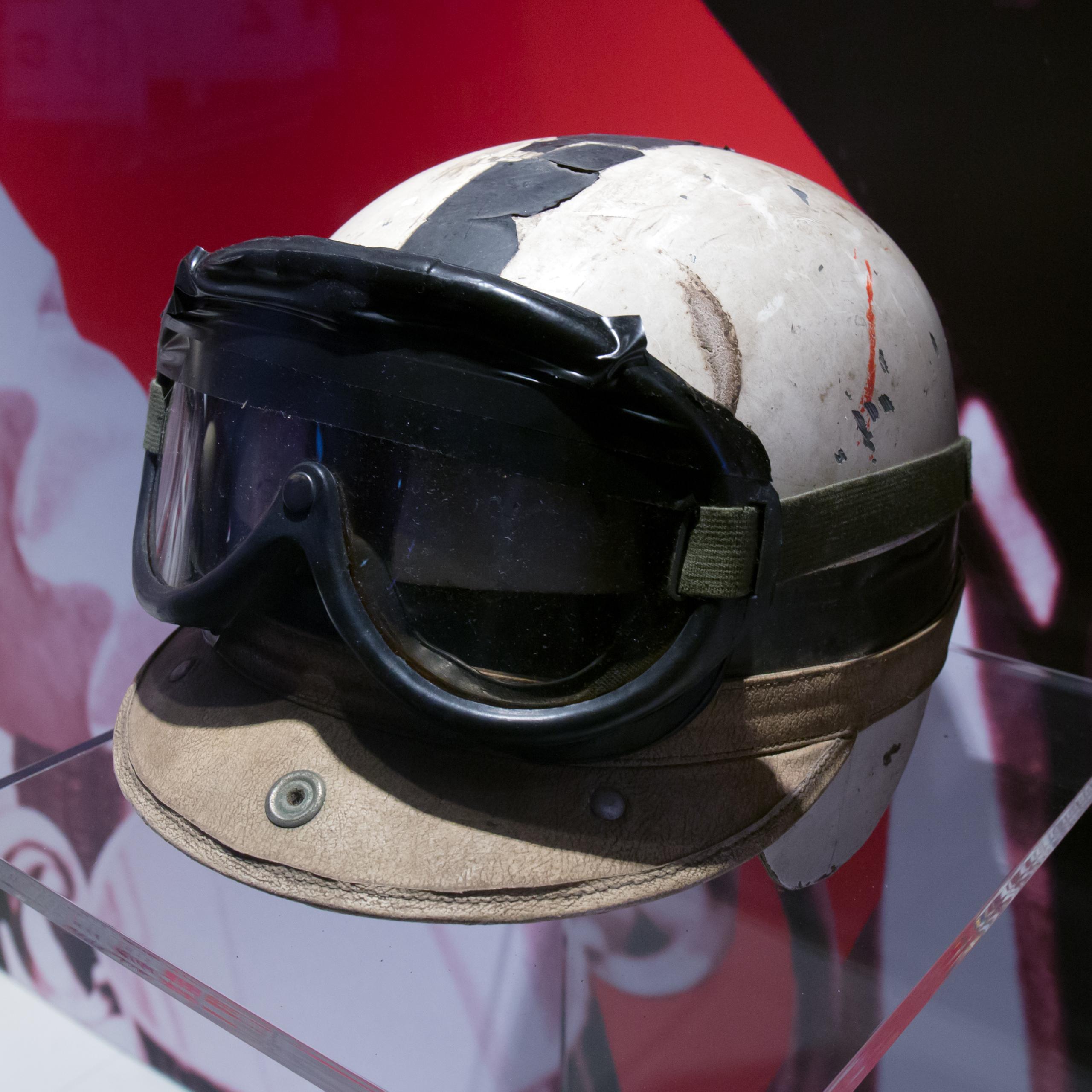 File John Surtees Helmet And Racing Goggles Museo Ferrari