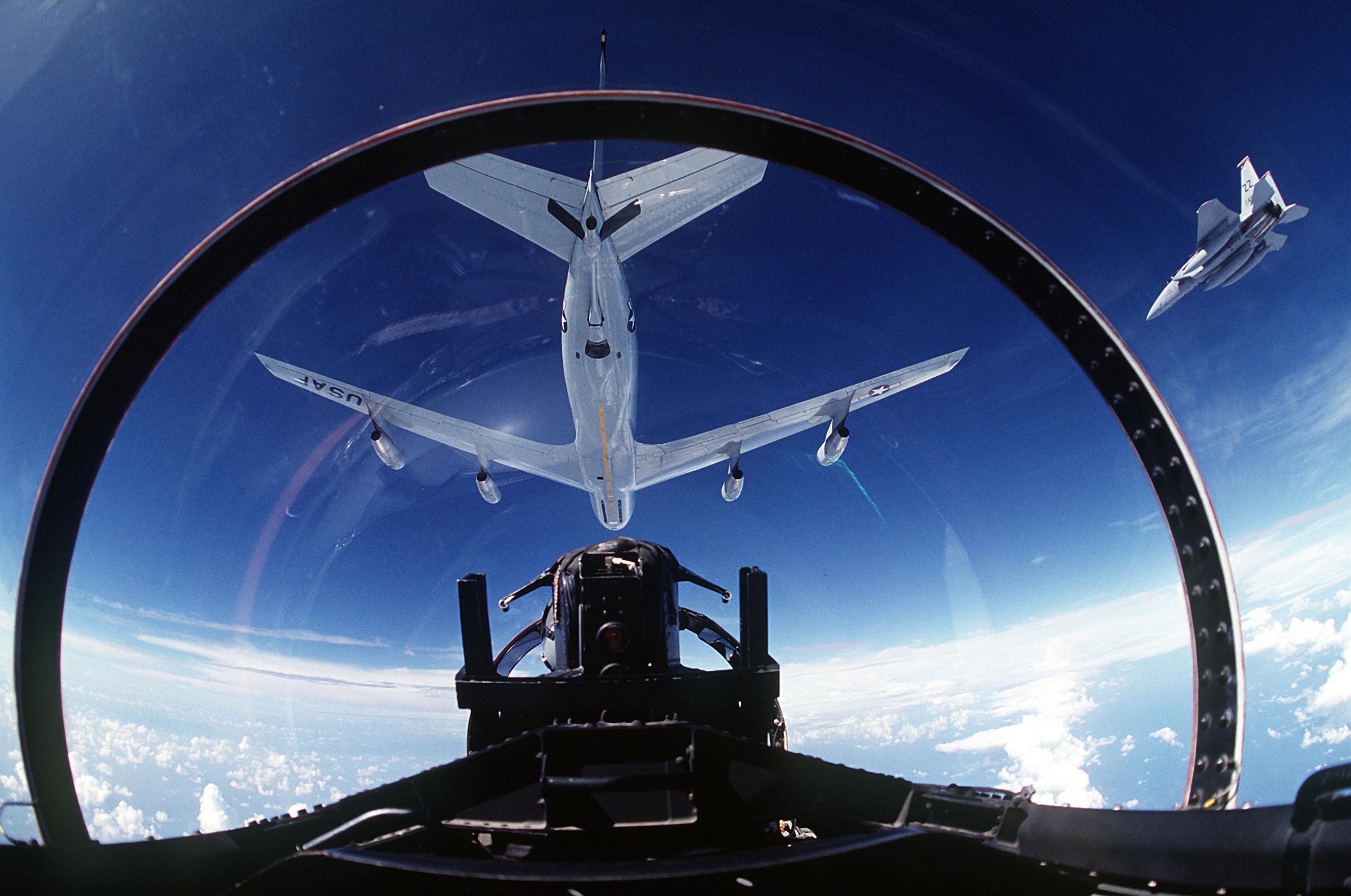 File:KC-135 Stratotanker, F-15 Eagle (2151989556).jpg ...