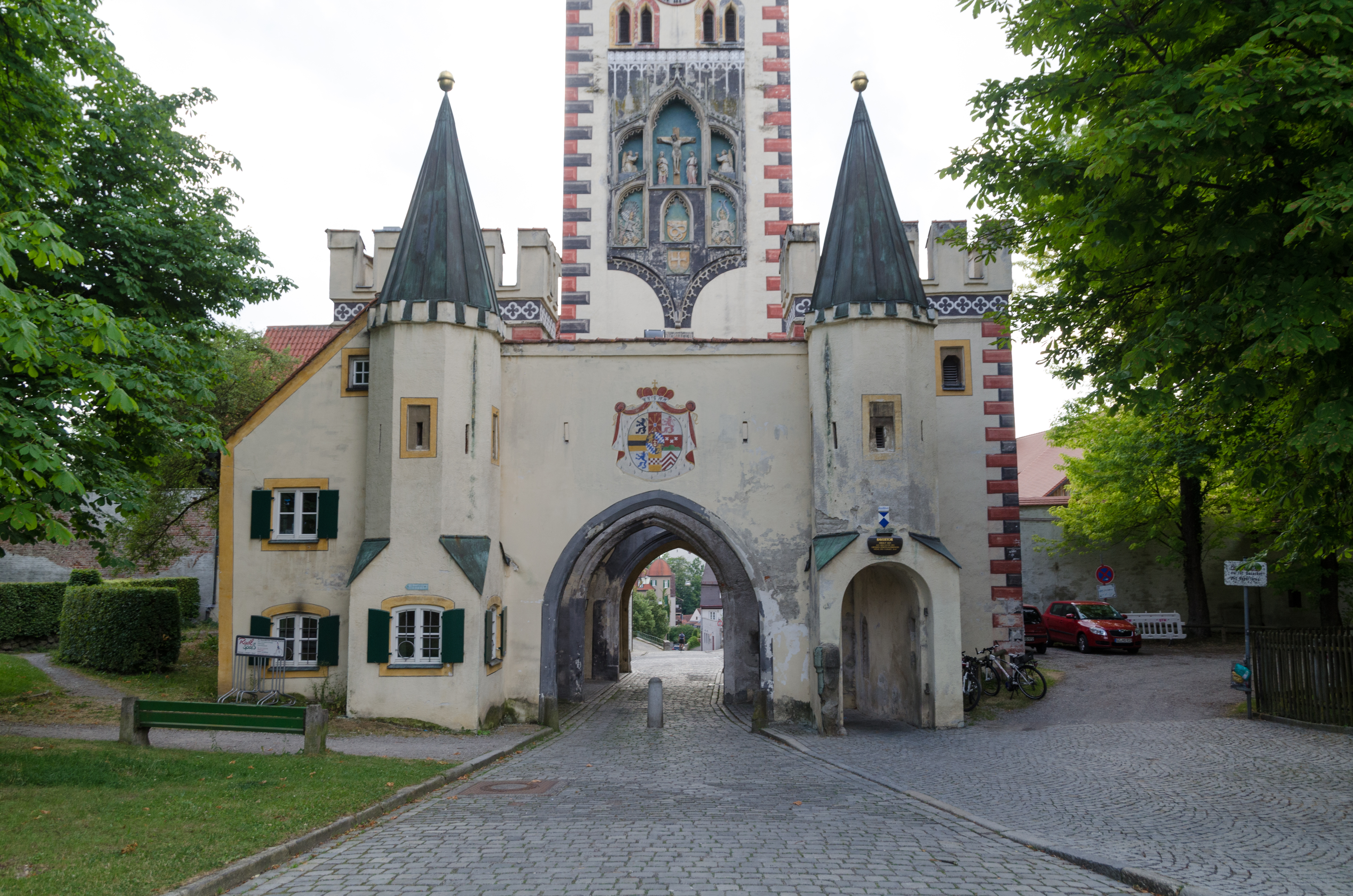 landsberg am lech divorced singles Welcome to our apartment or holiday flat in one of the nicest cities in germany - landsberg is a medieval town from the 13th and 14th century on the romatic road, near to munich, augsburg, the alps, etc.