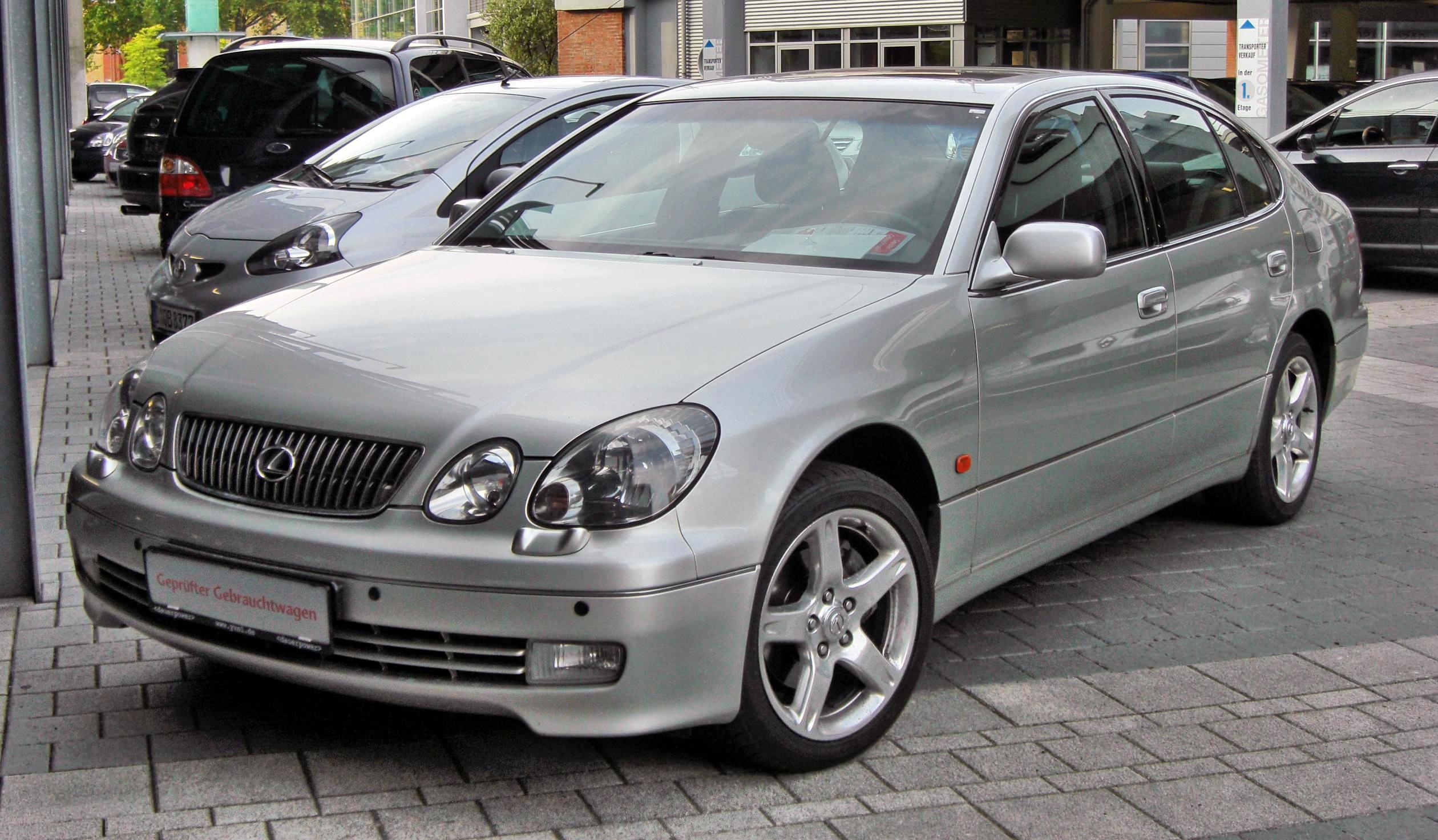 https://upload.wikimedia.org/wikipedia/commons/c/cd/Lexus_GS_430_II_20090720_front.JPG