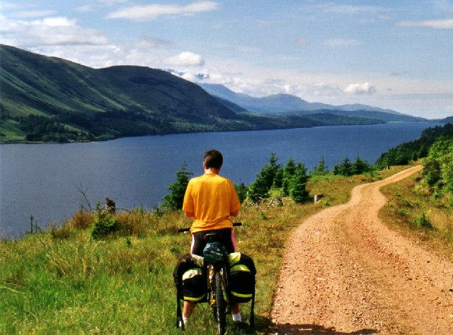 Loch Lochy Cycle Path - geograph.org.uk - 19012