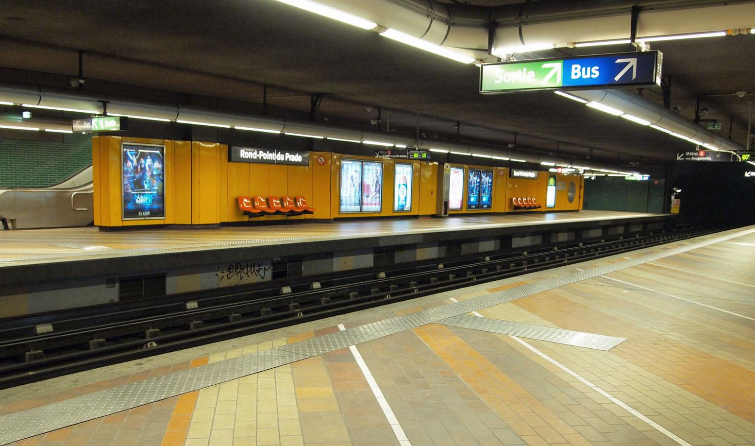 File marseille metro rond point du wikimedia commons - Monoprix rond point du prado ...