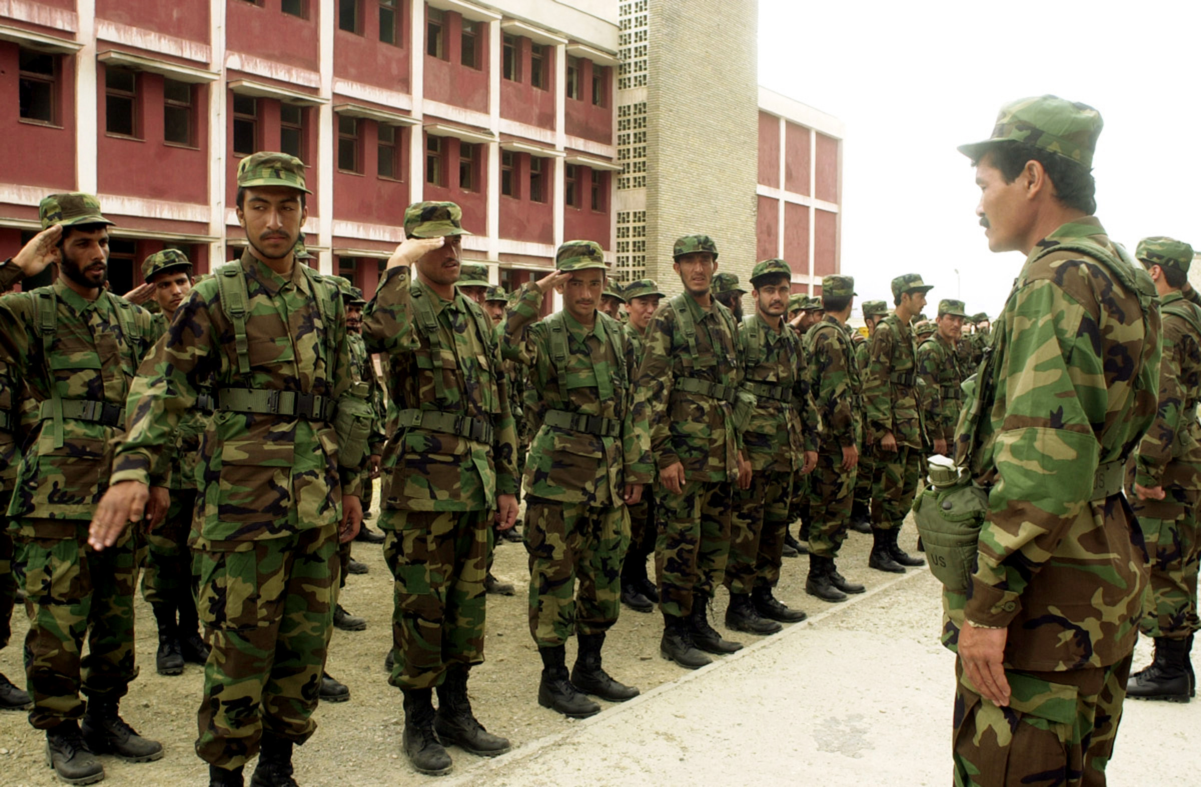 Fotos Del Army http://es.wikipedia.org/wiki/Archivo:New_recruits_of_the_Afghan_National_Army.jpg