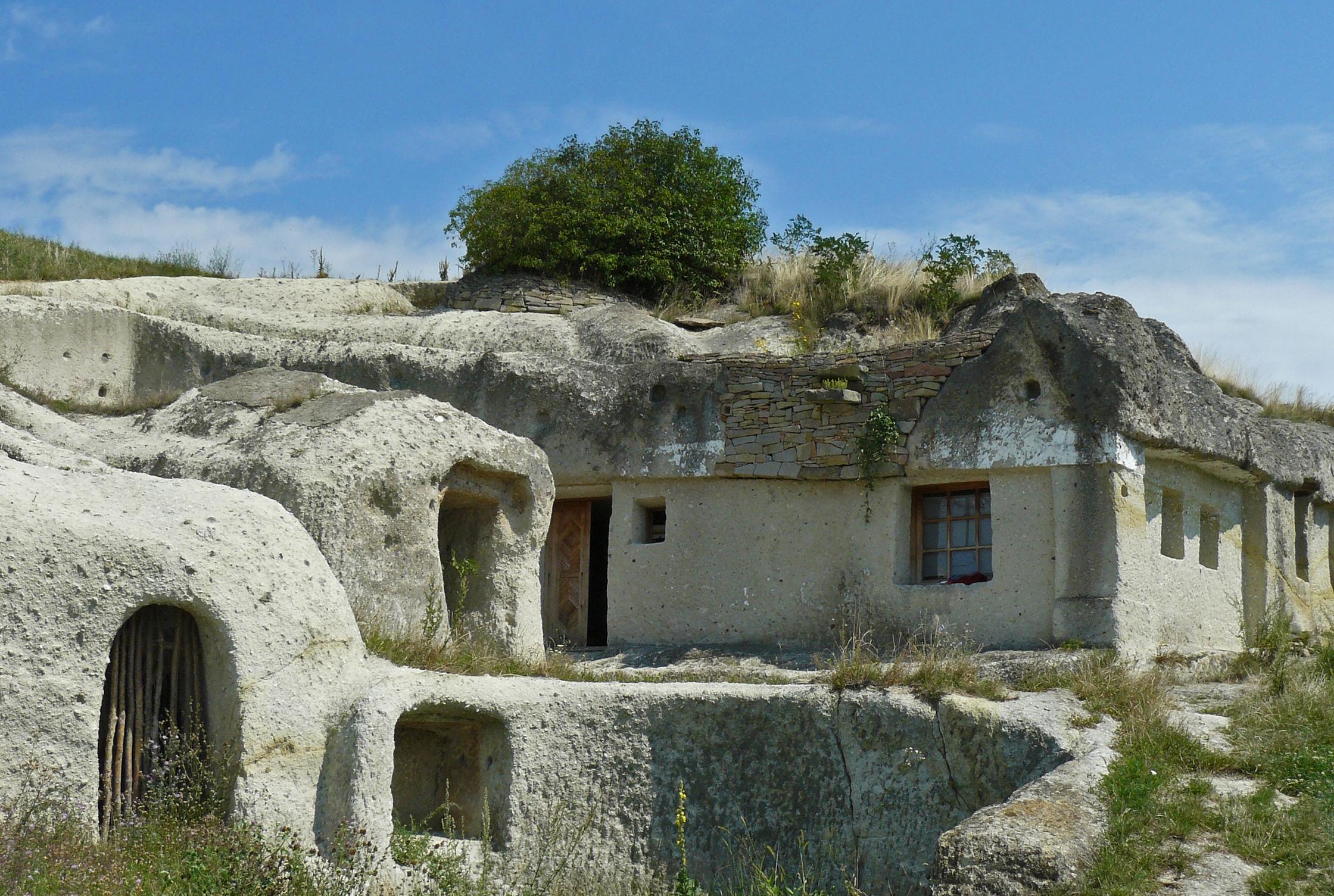 File Noszvaj Cave Dwellings Jpg Wikimedia Commons