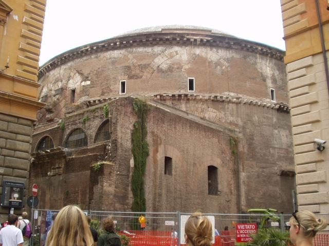 Panteón de Agripa, parte trasera