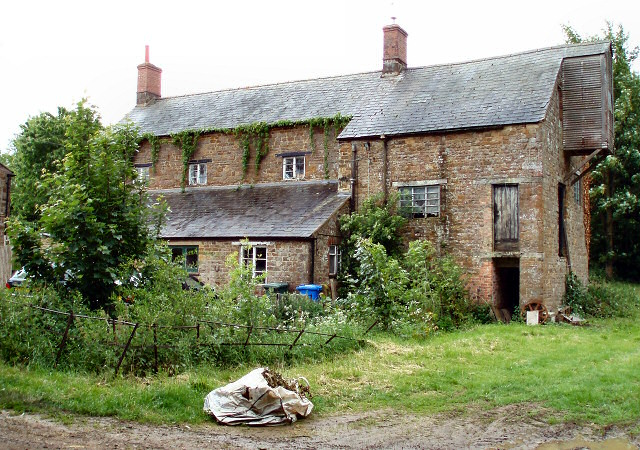 Paper Mill Cottages - geograph.org.uk - 447806