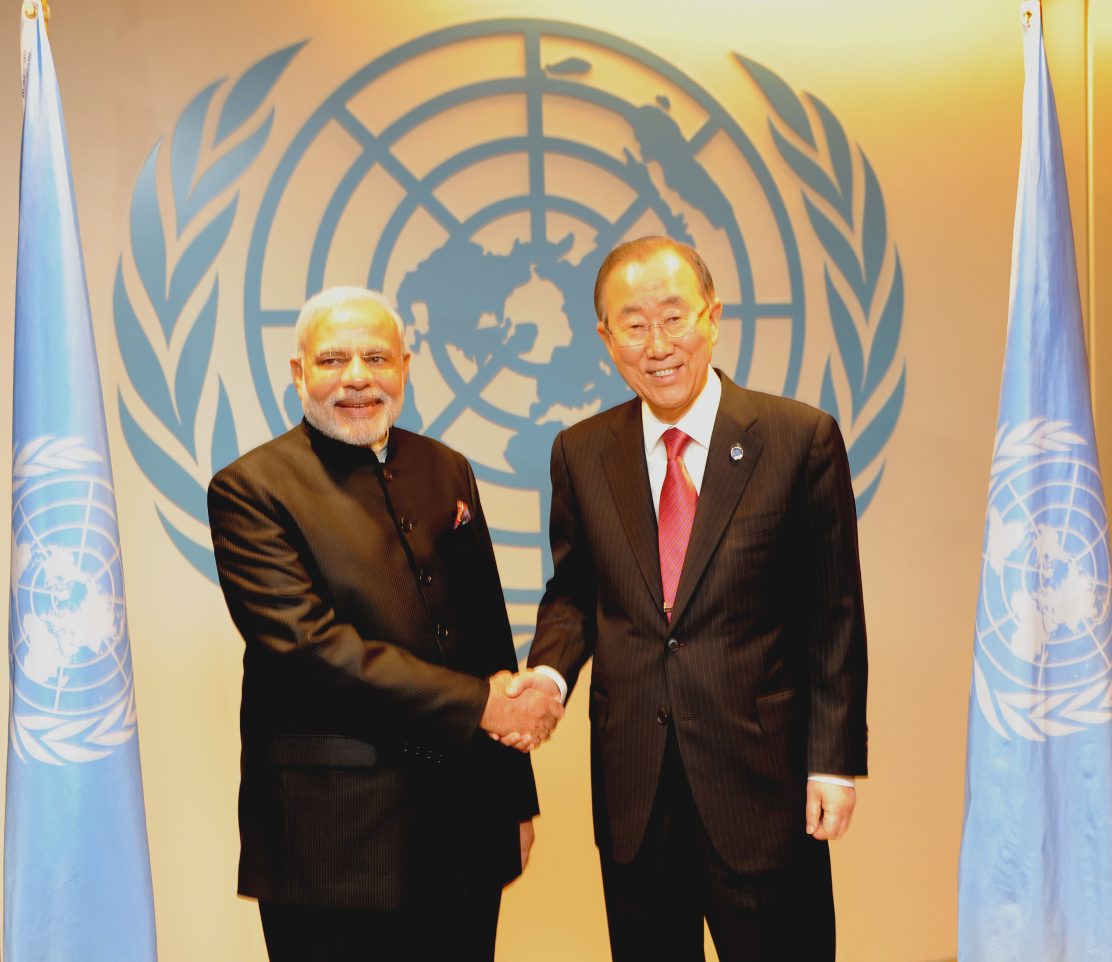 Prime Minister Narendra Modi meets Ban Ki-moon at the UN headquarters