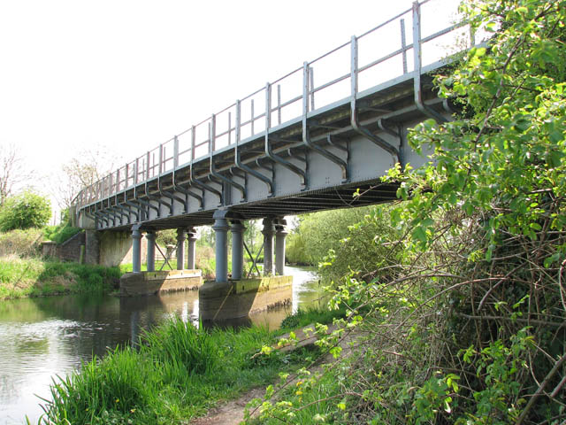 Railway bridge over the River Bure - geograph.org.uk - 1272934