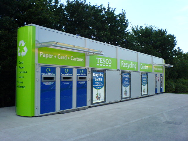 Archivo:Recycle^ - geograph.org.uk - 465427.jpg