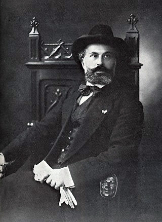 https://upload.wikimedia.org/wikipedia/commons/c/cd/Ricciotto_Canudo.jpg
