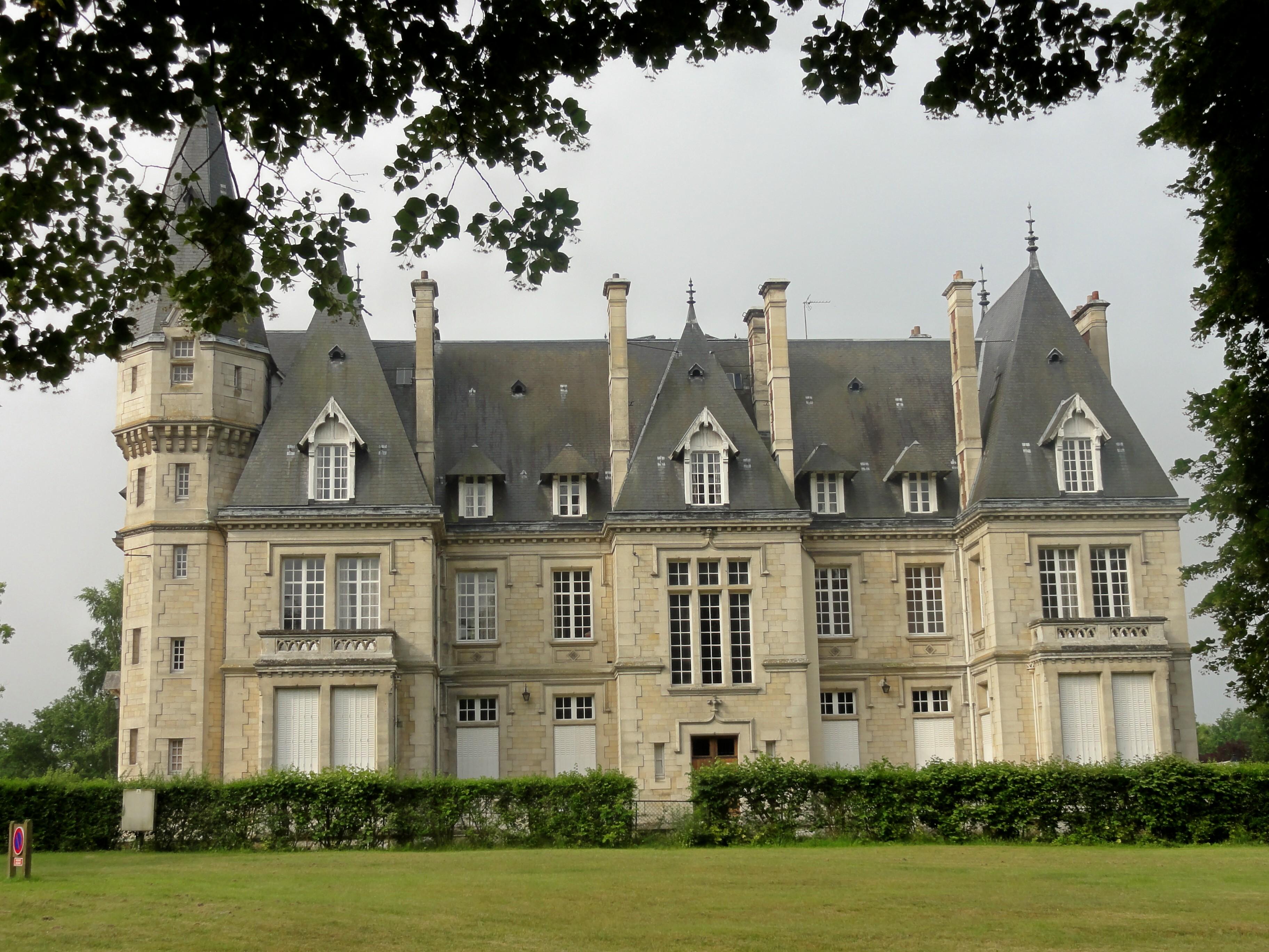 FileSaintJeanauxBois (60), château de la Brévière 1  ~ Restaurant Saint Jean Aux Bois