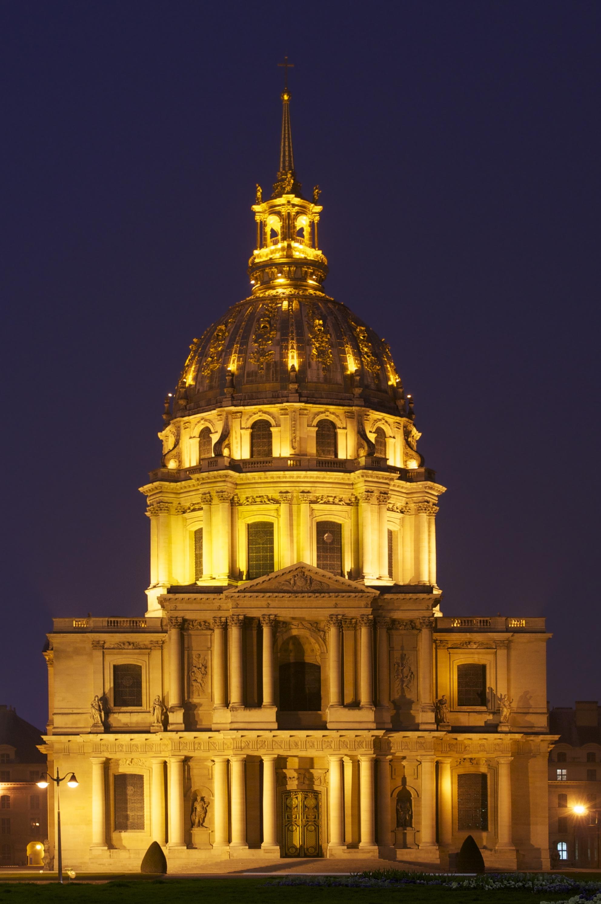 File Saint Louis Des Invalides Eglise Du D 244 Me De Nuit By Night Jpg Wikimedia Commons