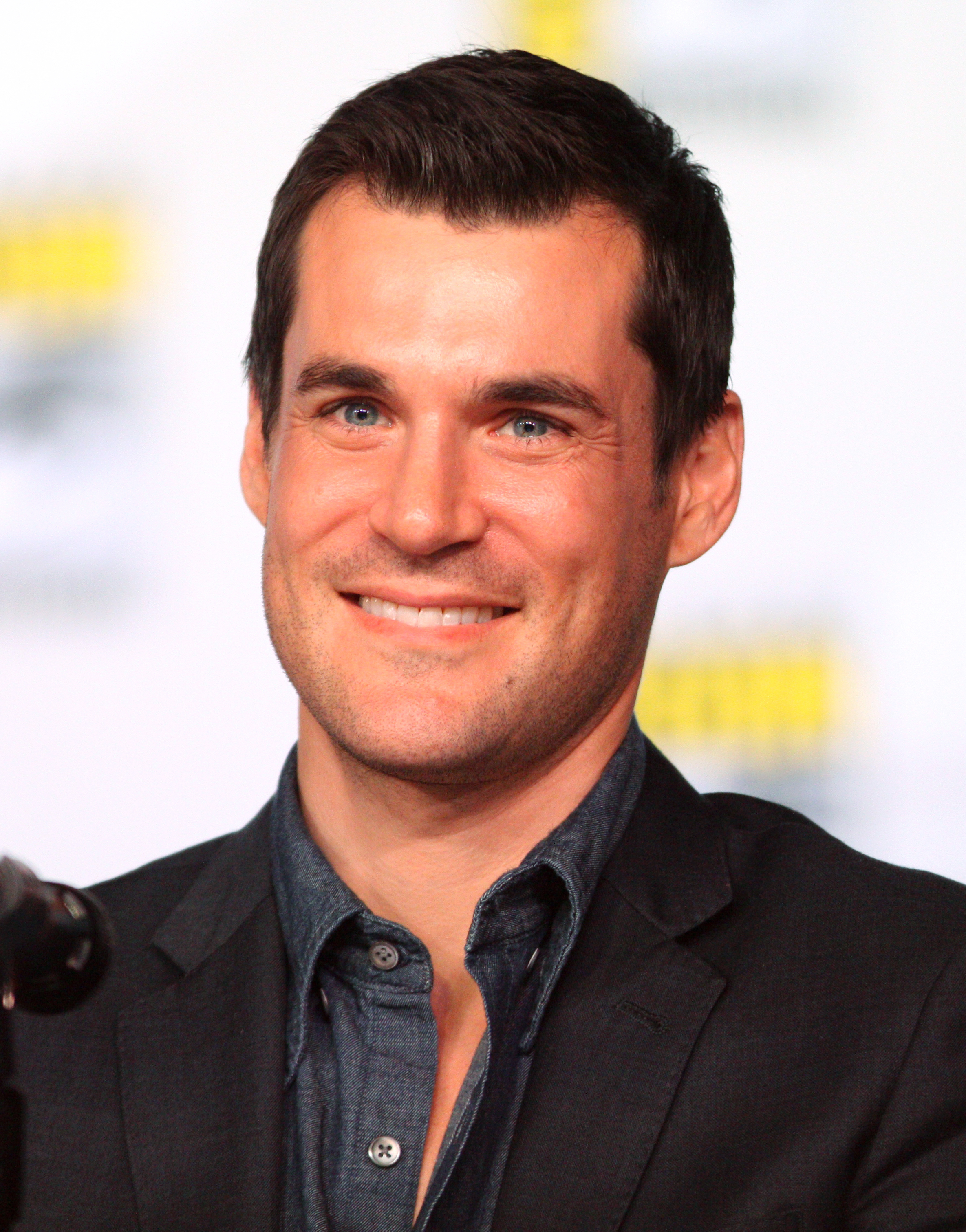 The 42-year old son of father (?) and mother(?), 178 cm tall Sean Maher in 2017 photo
