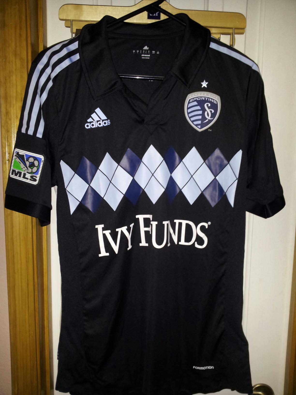 sale retailer 2de6d 9e0e9 File:Sporting Kansas City 3rd jersey kit - 2013.jpg ...