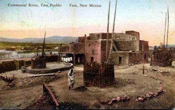 1920年頃のタオス・プエブロ プエブロ(西: Pueblo)は、メキ...  Wikipedi