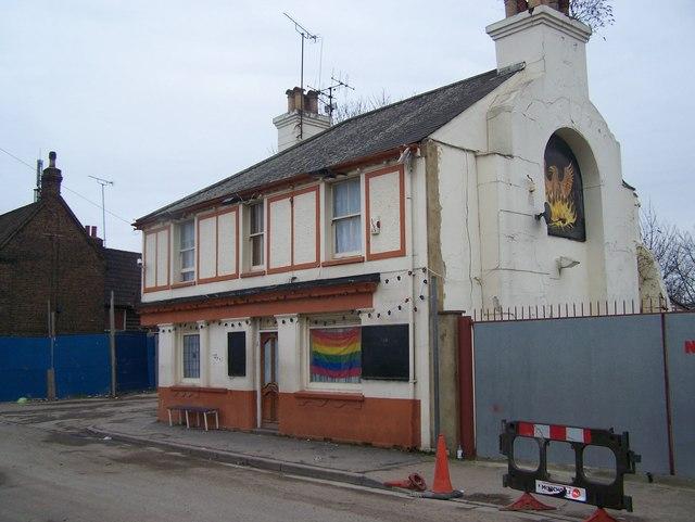 The Phoenix Pub, Dartford - geograph.org.uk - 1170853