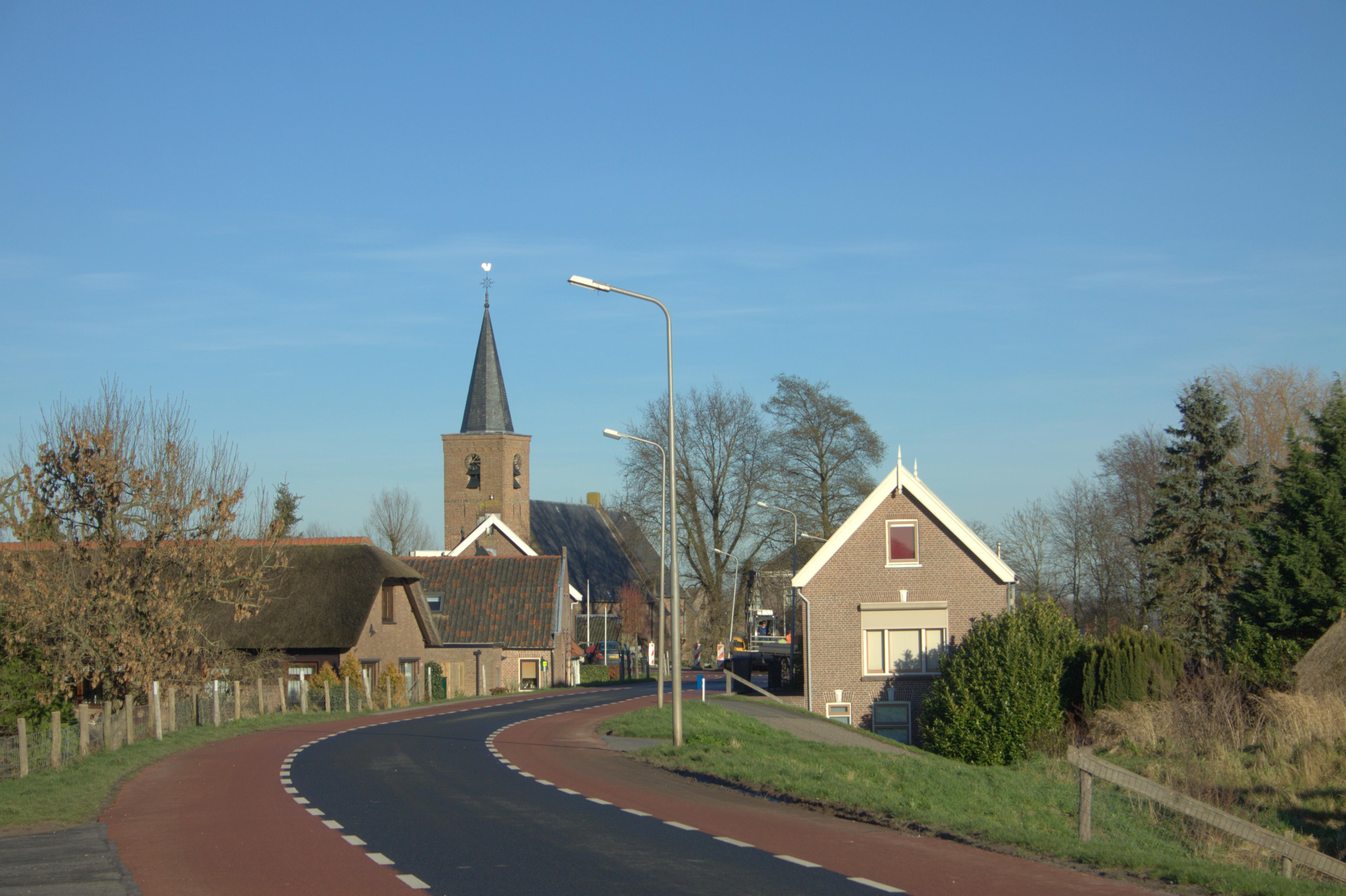 File:Tienhoven ZH. Aan En Op De Lekdijk, Niet Ver Van