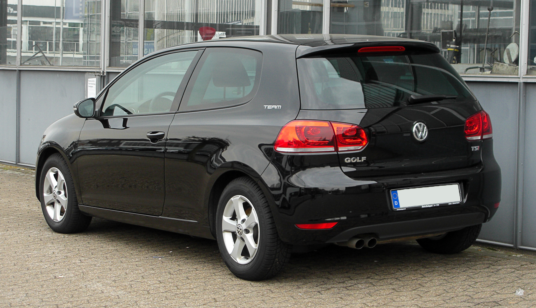 file vw golf 1 4 tsi team vi heckansicht 26 m rz 2011 wikimedia commons. Black Bedroom Furniture Sets. Home Design Ideas
