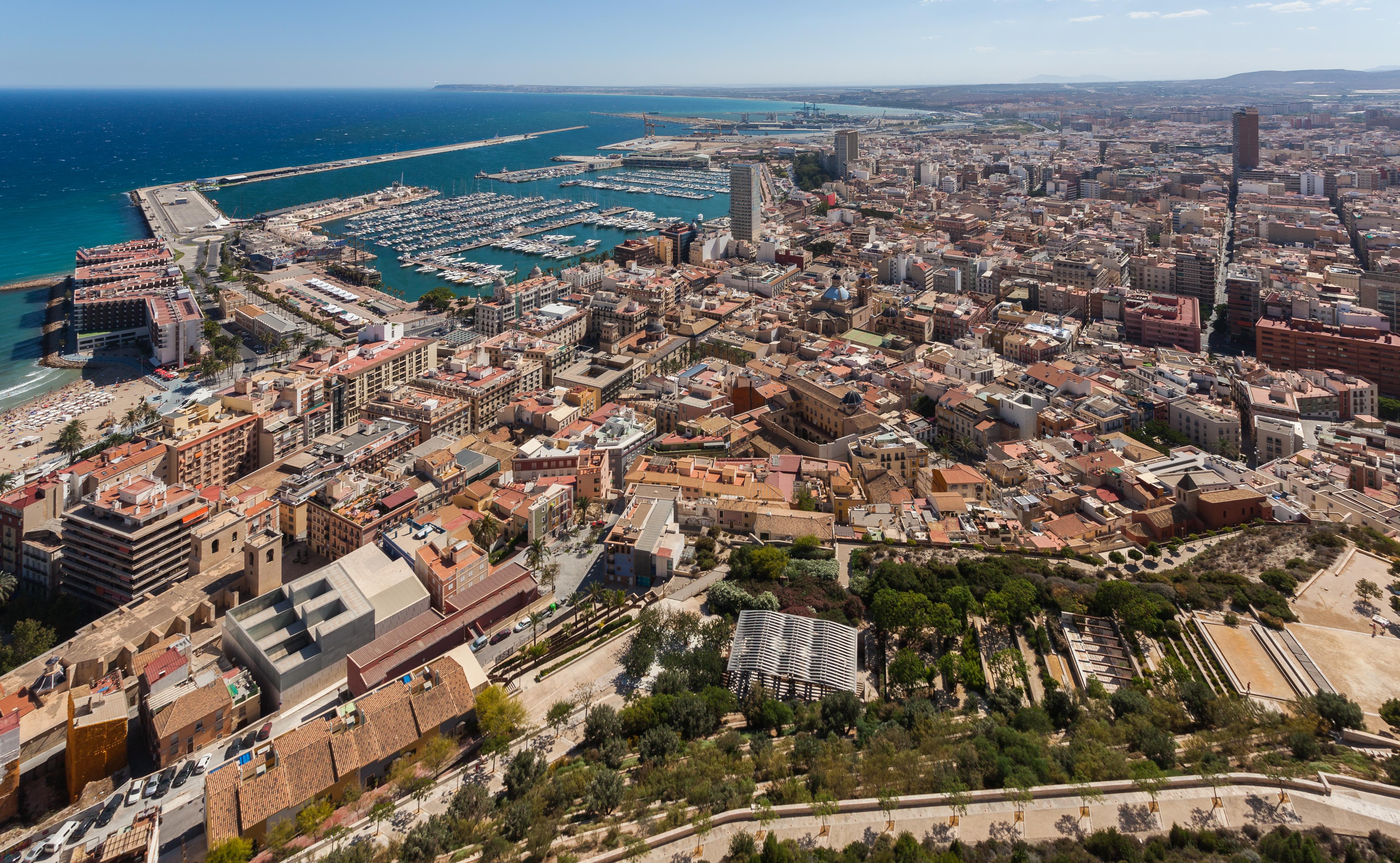 File:Vista de Alicante, España, 2014-07-04, DD 63.JPG ...