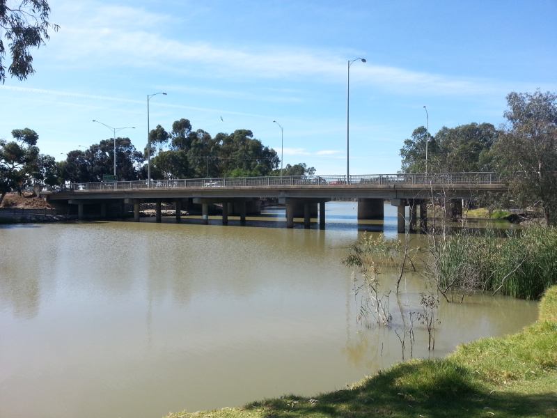 Western Highway crossing the Wimmera River at Horsham
