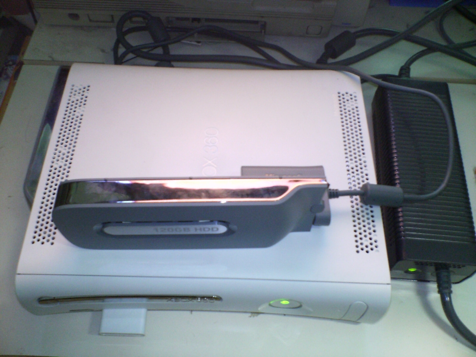 File:Xbox360 TransferringTo120GBHDD.jpg - Wikimedia Commons