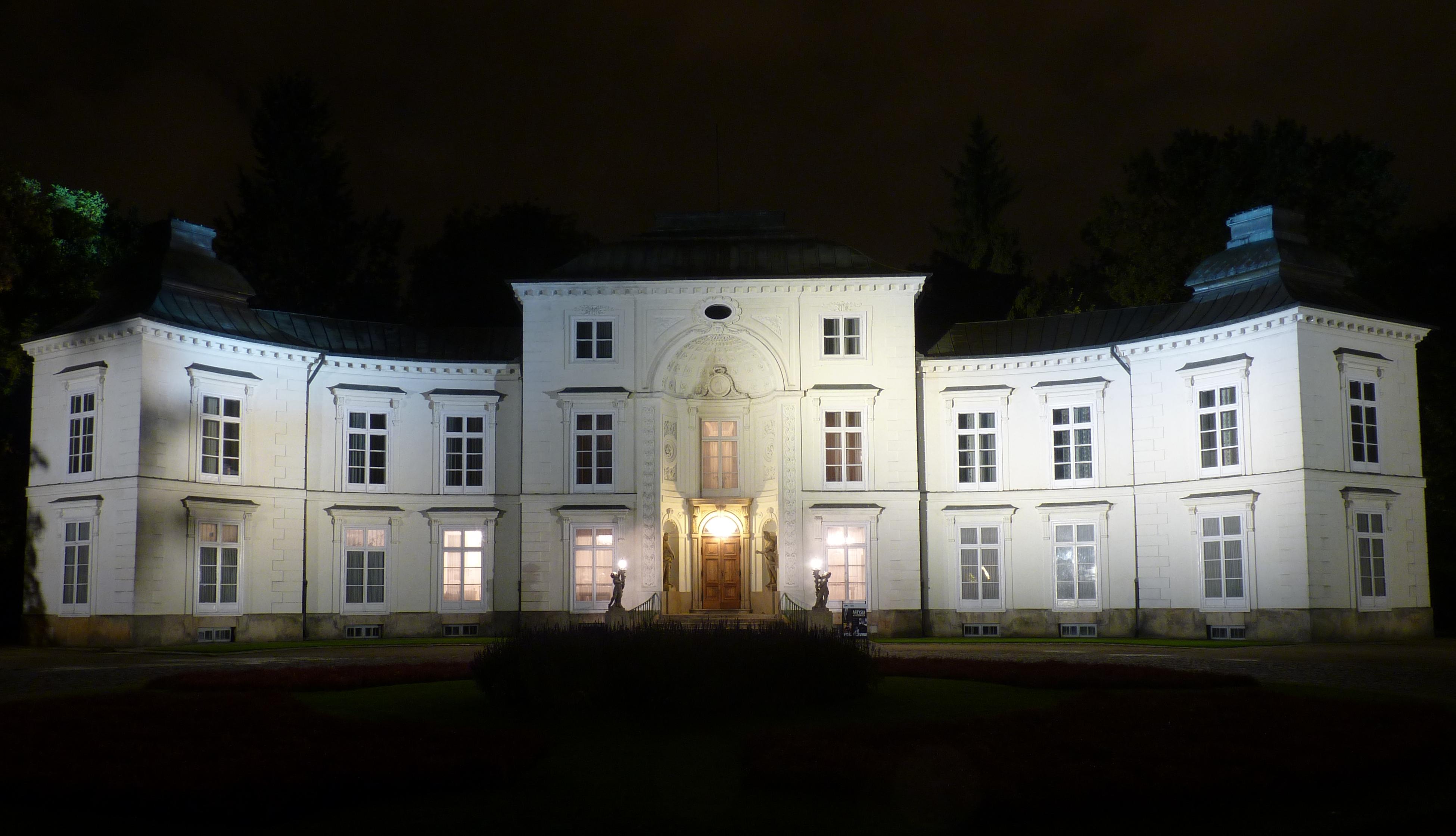Filełazienki Pałac Myślewicki W Nocyjpg Wikimedia Commons