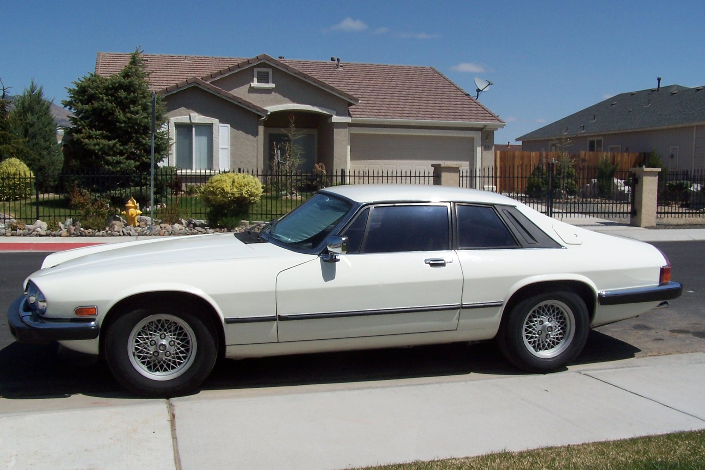 File:1991 Jaguar XJS V12.JPG