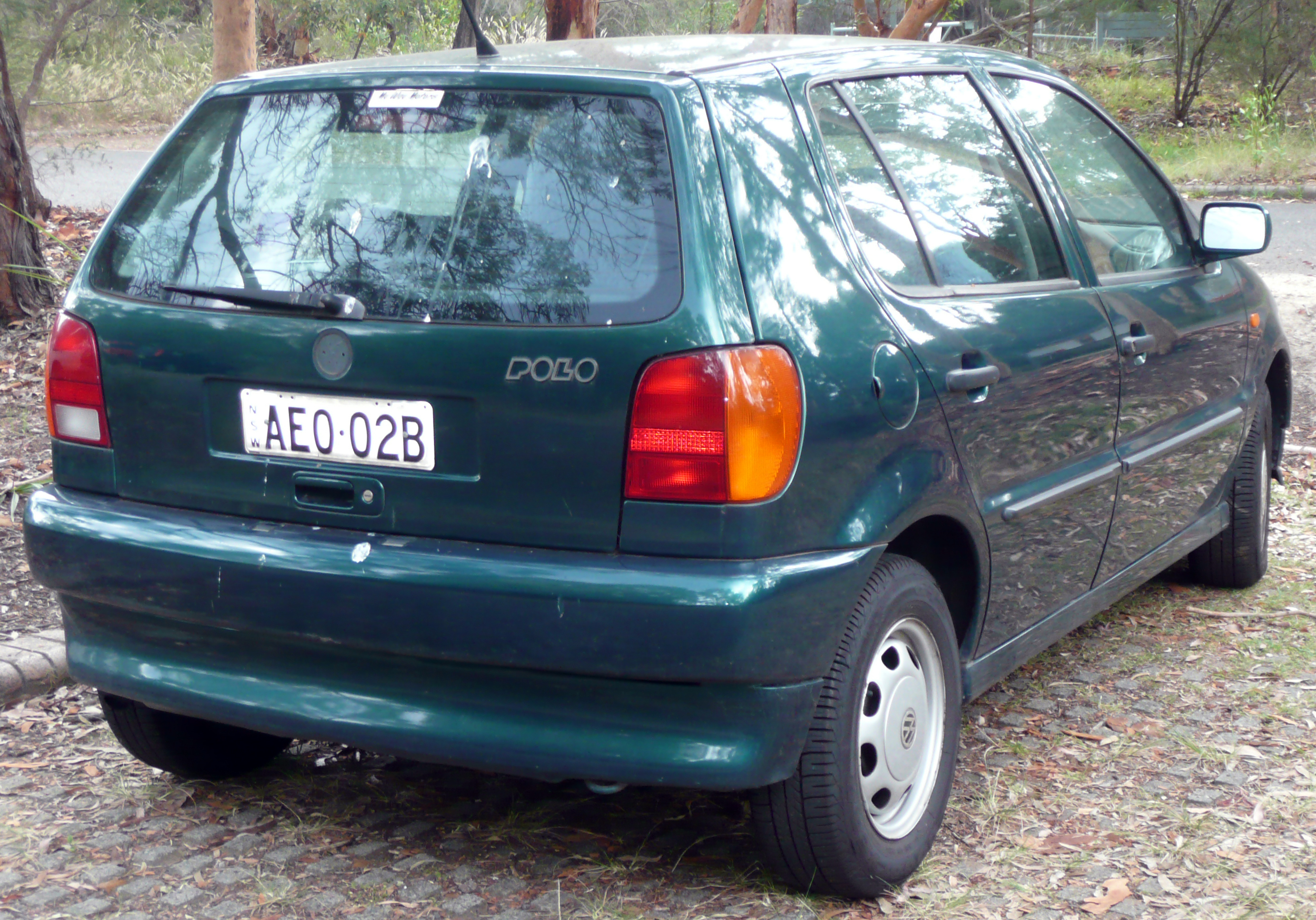 file 1997 volkswagen polo 6n 5 door hatchback 2009 01 07 wikimedia commons. Black Bedroom Furniture Sets. Home Design Ideas