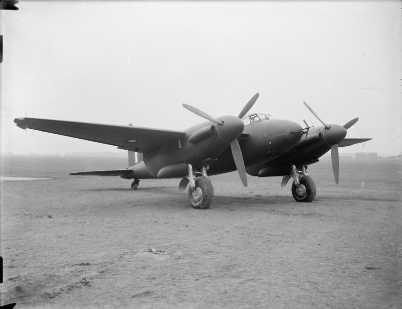 Le Fana de l'Aviation AI_Mk.IV_on_De_Havilland_Mosquito_NF.Mk.II_ATP10781B