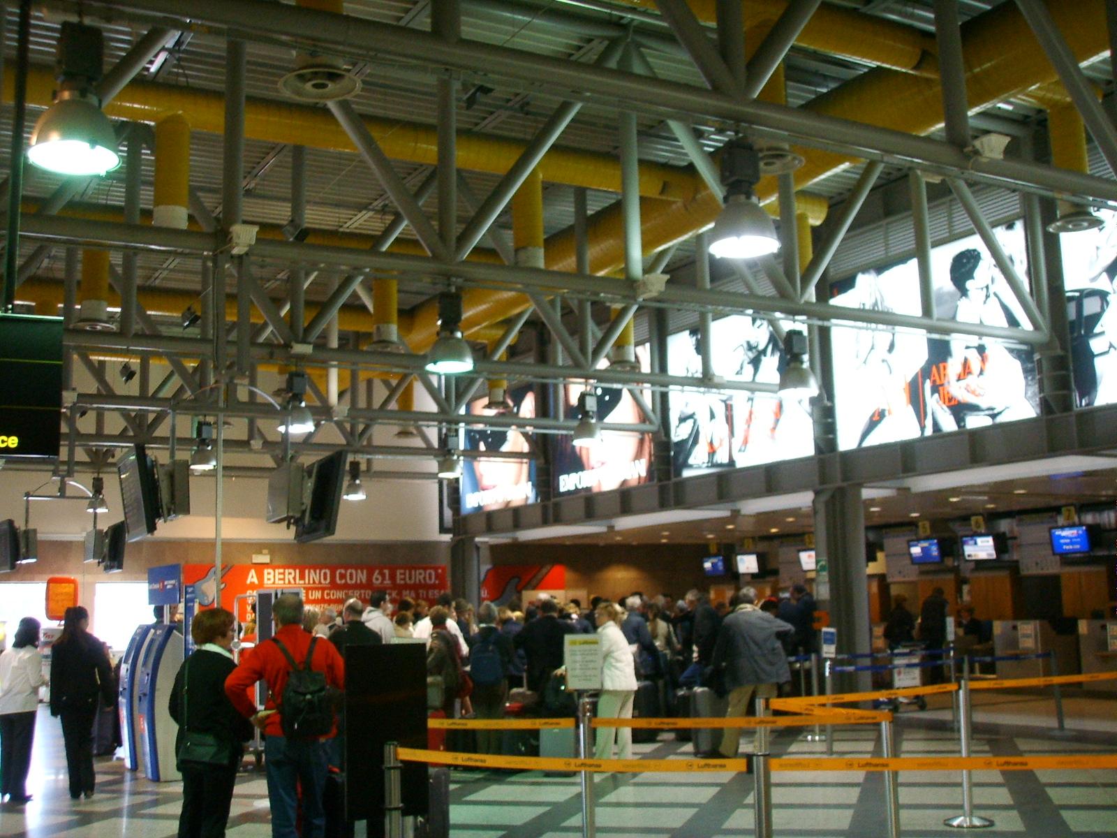 Aeroporto Firenze : File aeroporto di firenze check in g wikimedia commons