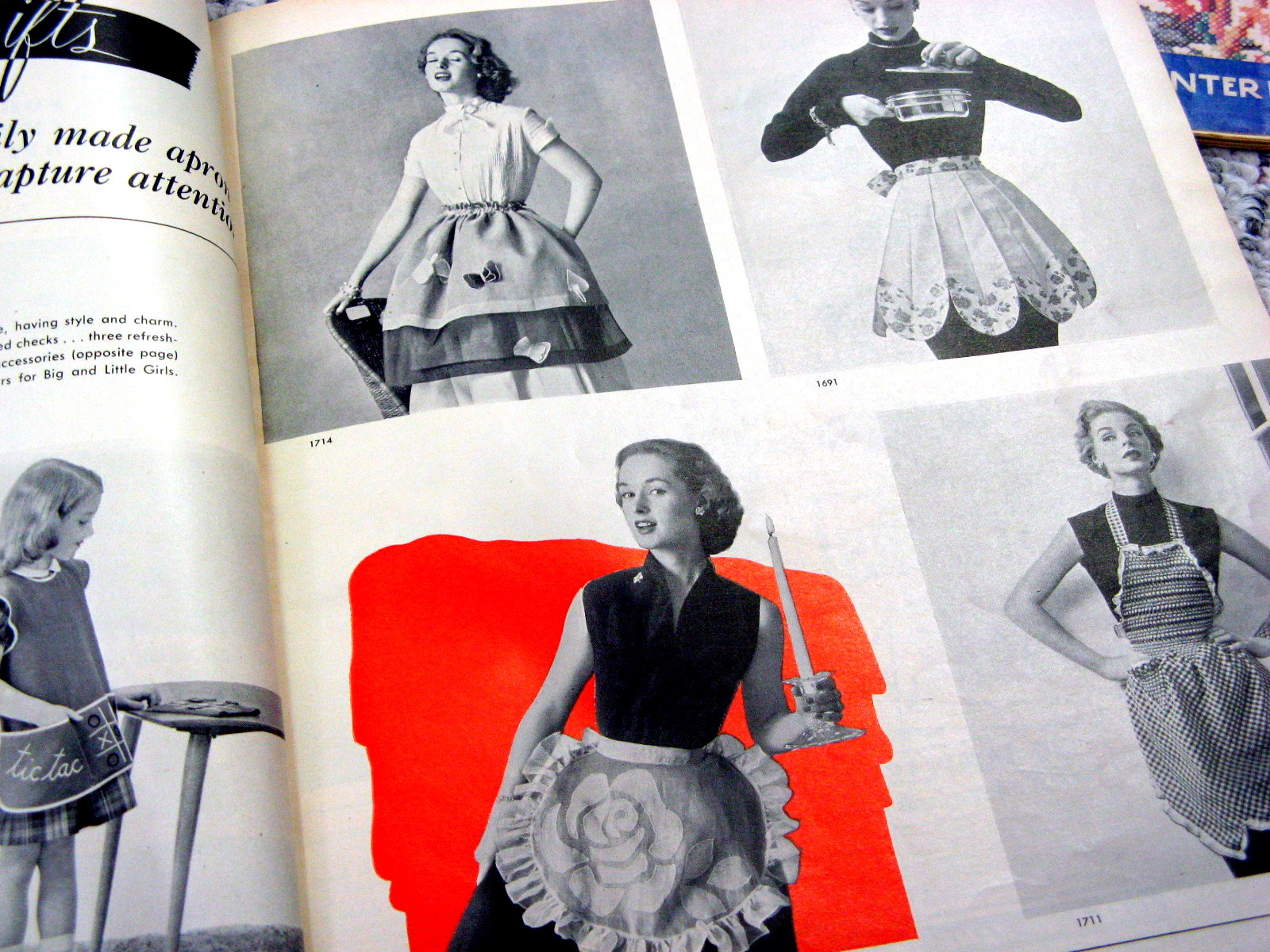 White apron meaning - Aprons 1950s Edit