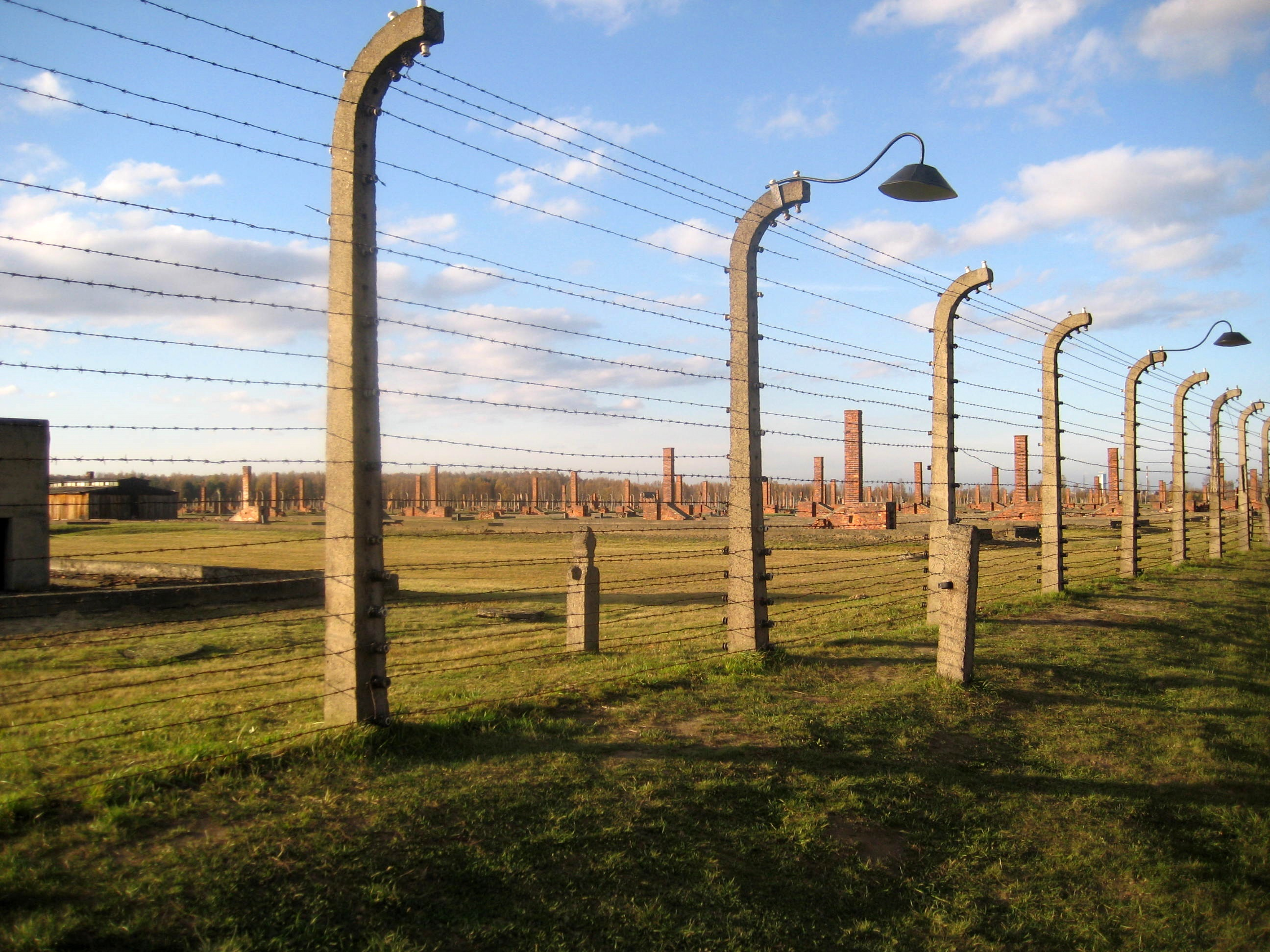 Citaten Uit The Boy In The Striped Pyjamas : Bestand auschwitz birkenau fence g wikipedia