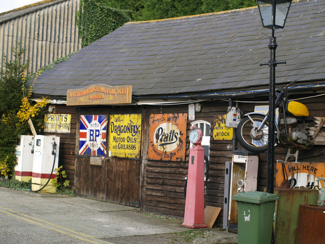 File:Battlesbridge Motor Cycle Museum - geograph.org.uk - 601581.jpg