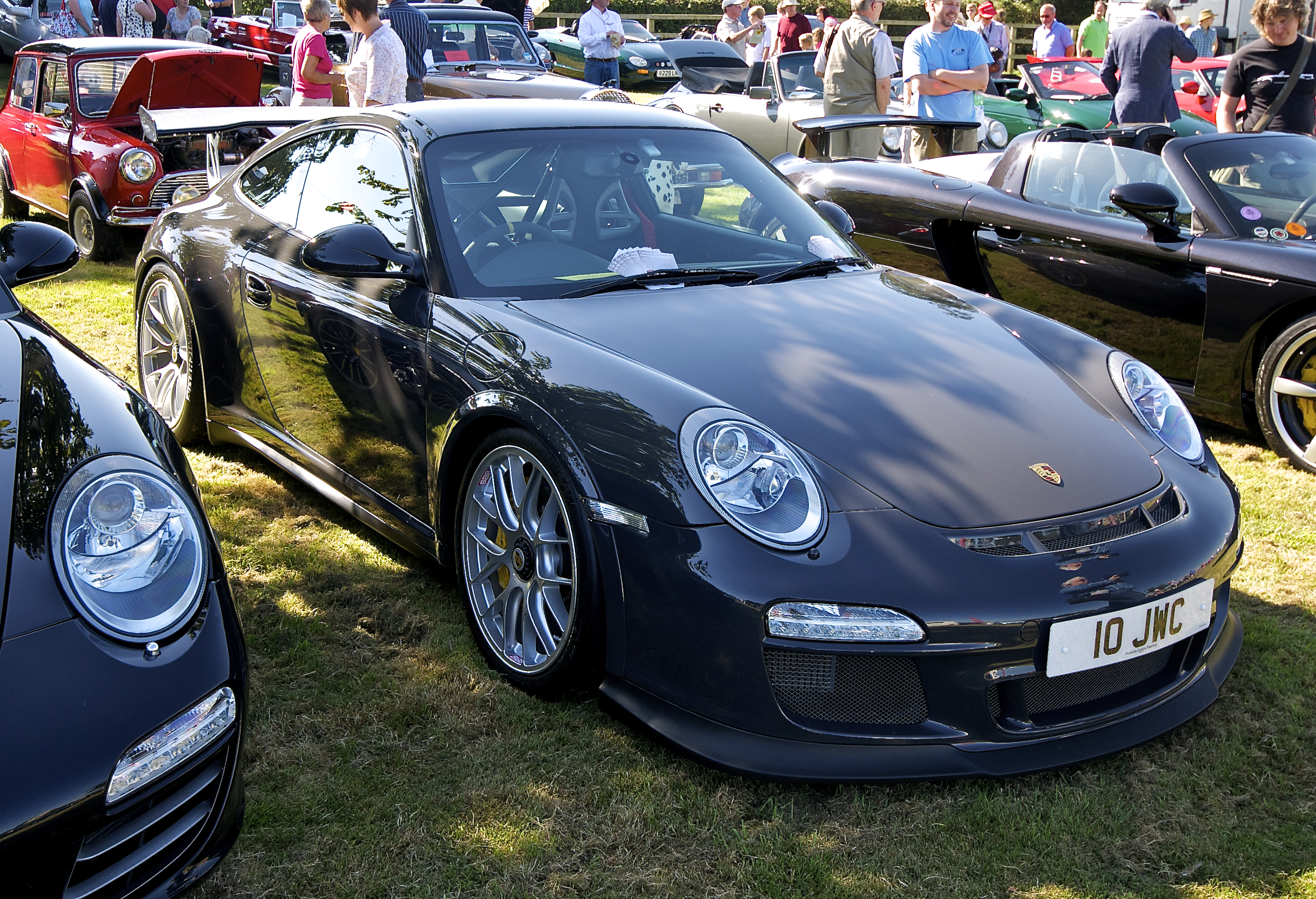 File Black 997 Gt3 Rs With Porsche Rs Spyder Design Center Lock Wheels Jpg Wikimedia Commons