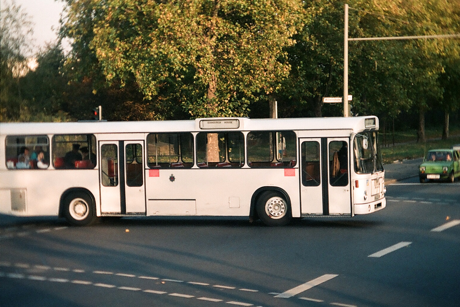 file british route bus wikimedia commons. Black Bedroom Furniture Sets. Home Design Ideas