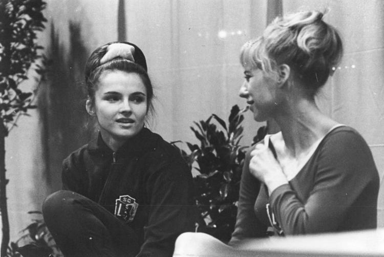 Bundesarchiv Bild 183-F1210-0016-001, Erika Zuchold, Ursula Trenzinger