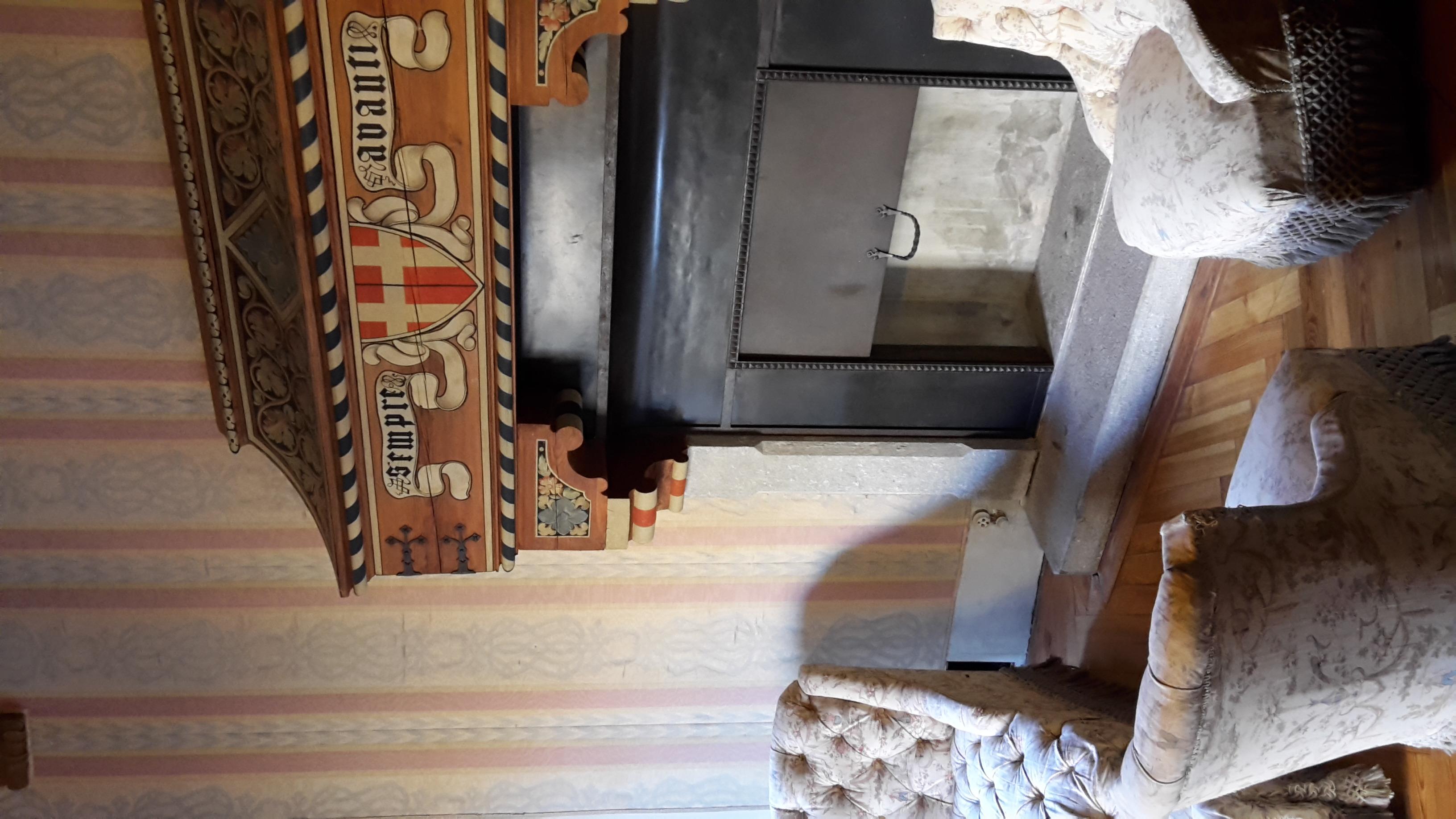 File camino camera da letto della regina margherita castel wikimedia commons - I segreti della camera da letto ...