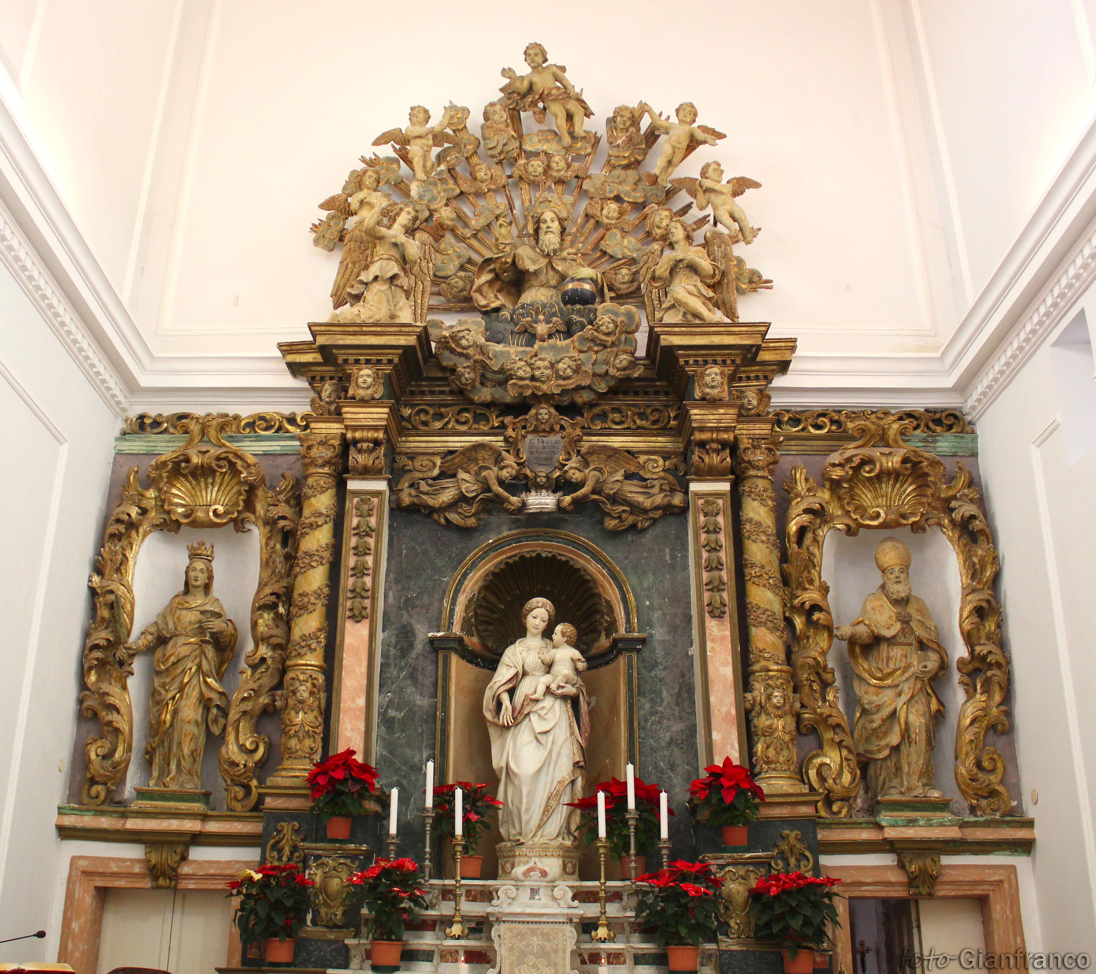 File:Castello-Santuario Altare barocco Madonna della Neve.jpg ...