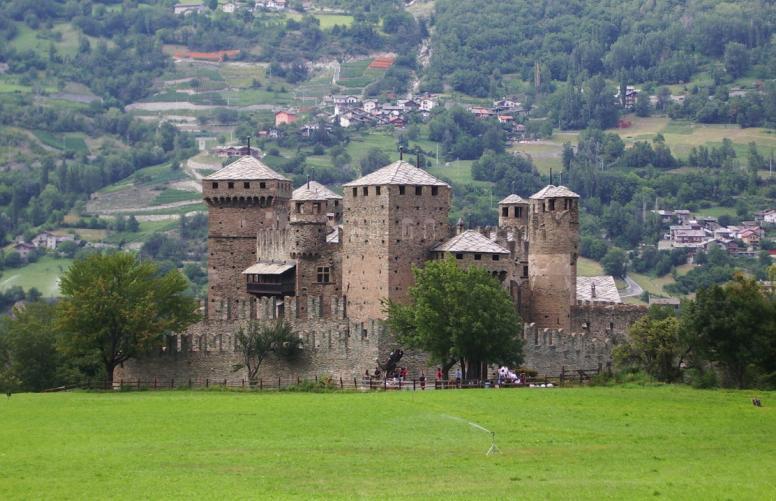 Fénis - castle